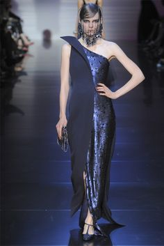 Giorgio Armani Privé - Haute Couture Fall Winter 2012-13 - Shows - Vogue.it