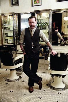 Barber : Ye ole Barber Shop on Pinterest Barber Shop, Barber Chair and ...