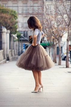 Adorable grey shirt and skirt style