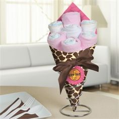 Giraffe Baby Shower Diaper Boquet...use coupon code: modern11 and save 11%