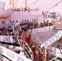 British migrants arrive in Sydney on the 'Fairsea' c.1963. Courtesy National Archives of Australia
