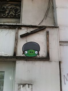 Angry Birds for Real by memeIRL - Always GREAT IDEAS !!! #Streetart #Boulogne #urbacolors