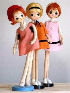 Vintage Japanese Big Eyes Pose Dolls