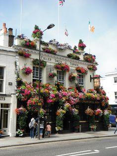 Beautiful pub in London