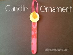 This candle ornament craft is such a great kids Christmas craft! Kids ornament crafts are so great for Christmas.