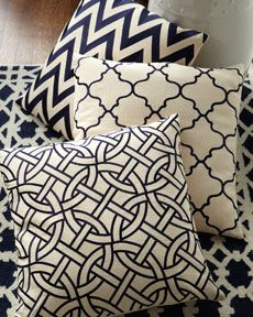 horchow black and white pillows- chic!