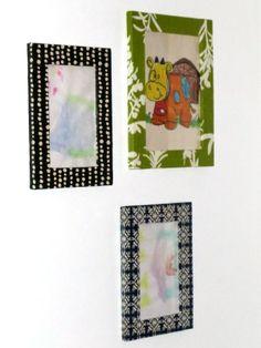Marcos decorados con decoupage by Pellizquitos. http://www.pellizquitos.com/blog/2014/02/03/marcos-decorados-con-decoupage/