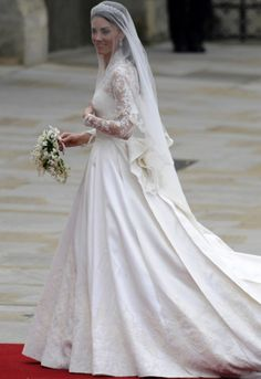 wedding dressses, duchess of cambridge, alexander mcqueen, dress wedding, the dress, royal weddings, kate middleton, gown, veil