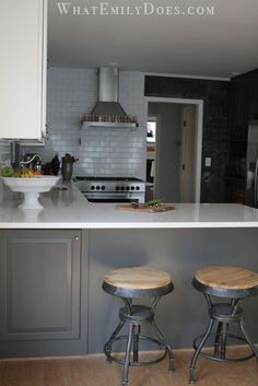 Another peninsula kitchen with the corner cabinet reversed (instead of a lazy susan or a reach-back cabinet) for easy building & easy access. Perfect!