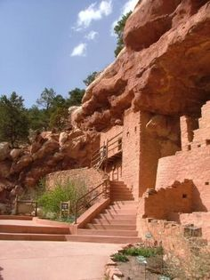 Manitou Springs Cliff Dwellings, Colorado Springs, CO - The Anasazi did not live in the Manitou Springs area, but lived and built their cliff dwellings in the Four Corners area. The cliff dwellings were relocated in the early 1900s, as a museum, preserve, and tourist attraction. The stones were taken from a collapsed Anasazi site near Cortez, CO, shipped to Manitou Springs, and assembled in their present form as Anasazi-style buildings closely resembling those found in the Four Corners.