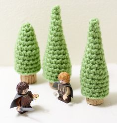 Evergreen Cork Ornaments - Do you want to create your own winter wonderland? Start with these Evergreen Cork Ornaments. These little trees are perfect for decorating all holiday season.
