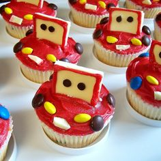 """Cars"" cupcakes! The decorating was easy even for a non-cupcake-decorator like me :)"