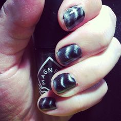 magnetic nail polish is SO COOL