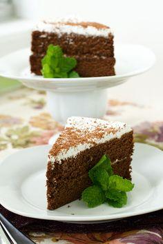 Oven Love: Paleo Chocolate Cake with Vanilla Coconut Whip