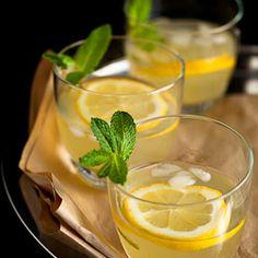 Honey Ginger Lemonade by gourmandeinthekitchen: Sweet and spicy/ #Lemonade #Ginger #Honey