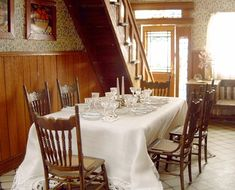 The Grandville Foyer/Dining Room.  Left View