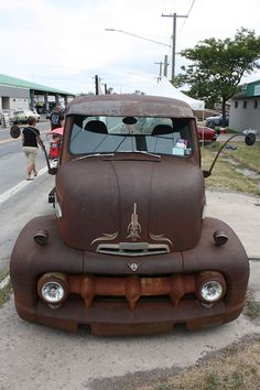 Rusted Ford Rat...