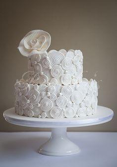 Swirls & Pearls Cake