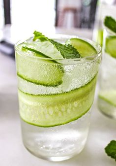 Sparkling Cucumber Cooler by thekitchen #Cocktail #Cucumber #Lime #Gin