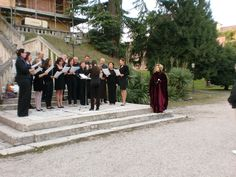 The theatrical tour of Castlefranco included a choir performance during the introduction of the city for the Sarasota Sister City delegation