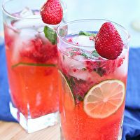 Strawberry Mojitos by KokoCooks
