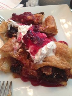 Vegan phyllo with apples, berries & figs with non-dairy whipped cream