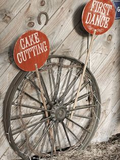 wagon wheels, diy wedding decorations, wedding receptions, wedding ideas, carnivals, barn weddings, reception ideas, themed weddings, wedding signs