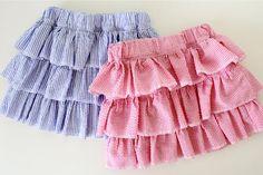 got some fabric and I am going to attempt this!! Skirt Tutori, Ruffl Skirt, Sewing Machines, Little Girls, Mashed Potatoes, Roasted Garlic, Layer Skirt, Ruffles, Kid