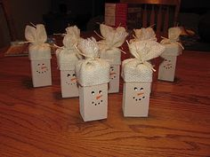Simple Snowman Ornaments - pretty cute.