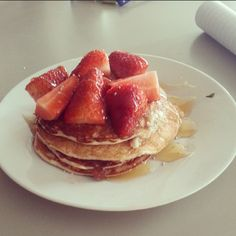 Try something new this morning! Here's a recipe for Isagenix pancakes by Megan: Blend 1/2 cup oats, 1/2 cup egg whites, 1/2 banana, 1 scoop IsaLean Creamy French Vanilla and a small dash of milk until well combined. Cook on low heat. Top with a little honey and sliced strawberries. Enjoy!  *Freezing/cooking with IsaLean/Pro may alter the activity of the enzymes