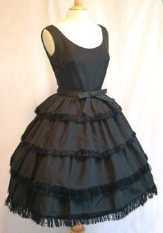 1950s Christian Dior vintage-dresses