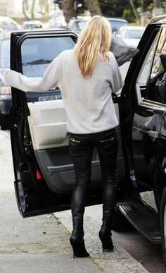 oversized gray sweater and leather skinnies