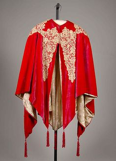 Evening cape Possibly House of Worth  Date: 1895–1905 Culture: French Medium: Silk, linen Accession Number: 2009.300.7178
