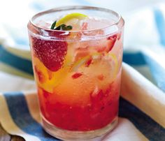 Cocktails Under 200 Calories: Food & Diet: Self.com : Summer just wouldn't be right without cool drinks served on the patio or by the pool. We've got 15 tasty recipes that won't ruin your hard-earned bikini bod. #SELFmagazine