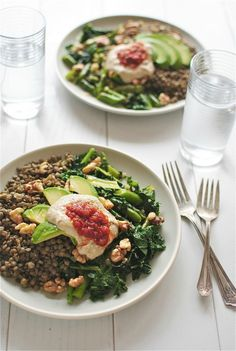 Lentils with Garden Vegetables, Avocado, Walnuts and Hummus / Bev Cooks