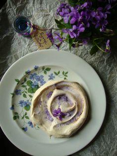 Violet Meringues Recipe