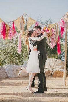 backdrop decor wedding, wedding ceremonies, ceremony backdrop, banner design, wedding bunting, picnic tables, company picnic, wedding blog, diy wedding