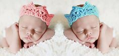 Free crochet pattern for crocheted baby princess crown with faux jewels or a baby prince crochet crown.  This crochet crown pattern is easy for beginners and works up FAST.  Great photo prop or baby shower gift.