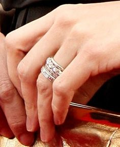 This stacked ring is so pretty.. Love the sparkle.. I guess it is Jennifer Garner's ring....
