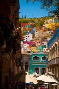visitheworld:    Colorful streets of Guanajuato, Mexico (by Choollus).