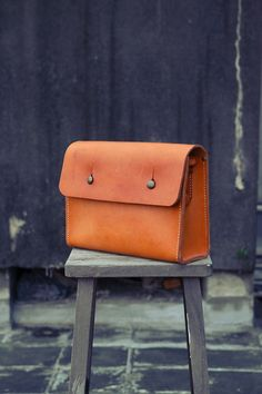 NO.6 SATCHEL LEATHER old school style leather vintage look