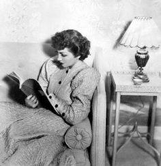 Claudette Colbert reads.