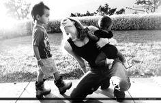 2007 - Mario Testino 'Let me in' - 2007 Jolie Mario Testino 08 - Angelina Jolie Photo