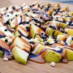 """Apple """"Nachos"""" 13 Cheer-Worthy Super Bowl Desserts via Brit + Co."""