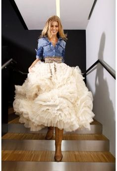 Gorgeous ruffled maxi skirt http://rstyle.me/n/dwz95nyg6