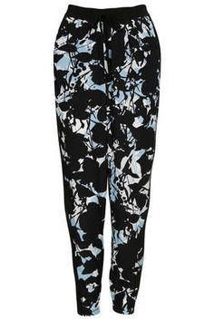 Everyone is sporting these print pants.  Don't let your bump stop you from trying this trend.  It's actually AMAZINGLY bump-friendly!!