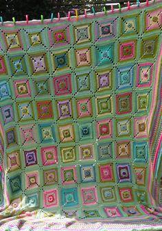 Sisterhood Crochet Blanket, freebie pattern.  Color combo