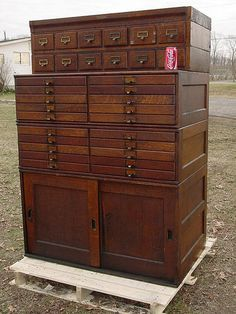 I want this (probably very expensive) chest for my art studio. Can you imagine all the neat little things you could organize into all those drawers! Crafts, arts, scrapbooking, polymer clay, jewelry...OH MY.