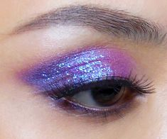 Duochrome #pink and #purple #glitter eye look; pretty AND punky! http://makeupbox.tumblr.com/post/39616698104/violet-chameleon-violet-blue-duochrome-shadow #makeup #eyeshadow #tutorial