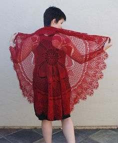FO: Rose of England Shawl by Buxtrosion, via Flickr. Pattern by Marianne Kinzel. Knitted Circle shawl; I have this pattern